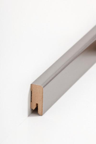 Sockelleiste Oberkante abgerundet, 16 x 40 x 2500 mm, Edelstahl MDF-Kern, Metallicfolie ummantelt