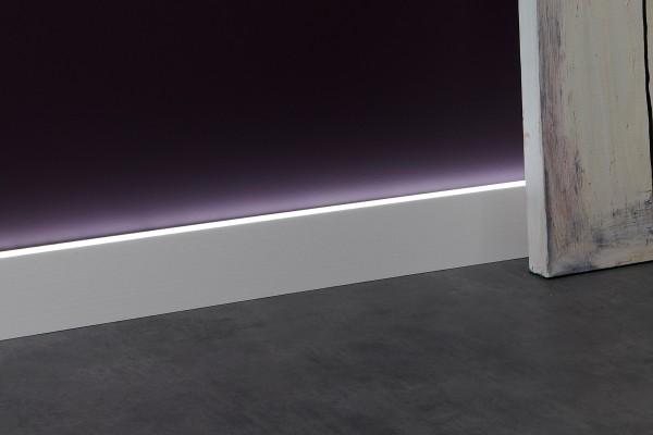 Lichtsockelleiste IL10 WALLSTYL® für indirekte Beleuchtung