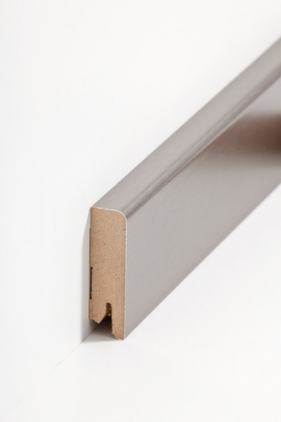 Sockelleiste Oberkante abgerundet, 16 x 58 x 2500 mm, Edelstahl MDF-Kern, Metallicfolie ummantelt